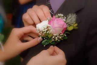 corsage pinning