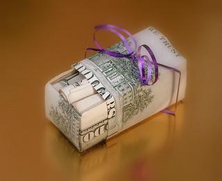 birthday gift giving etiquette