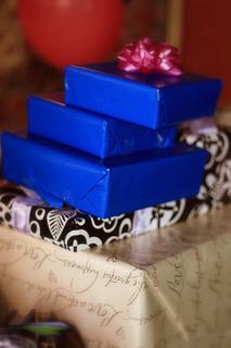wedding shower gift etiquette
